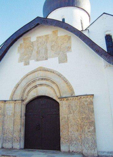 Портал Покровского храма