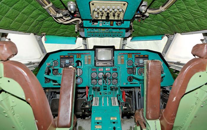 Экраноплан Лунь кабина пилотов