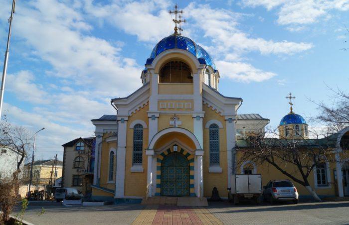 Свято-Успенский собор в Махачкале
