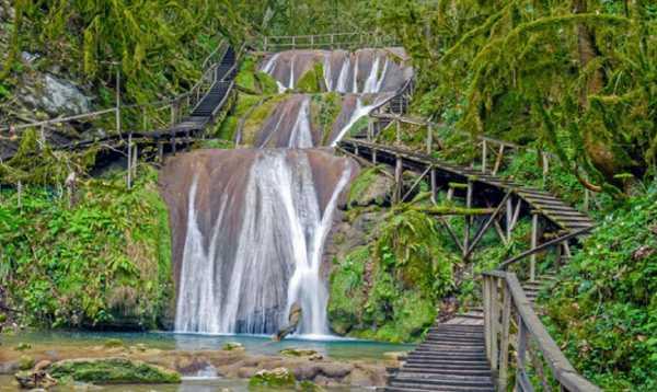 Водный каскад на реке Джегош (33 водопада)