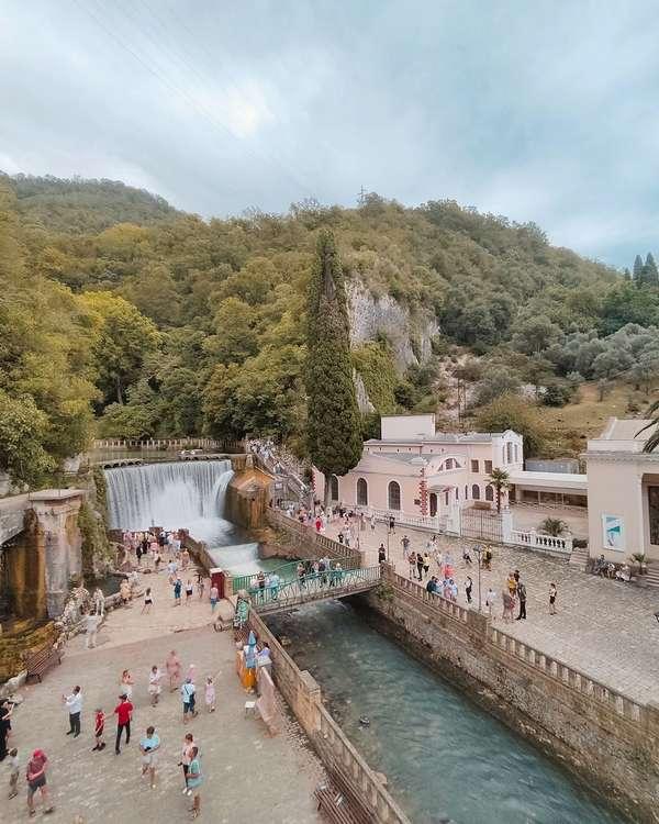 Водопад в новом Афоне